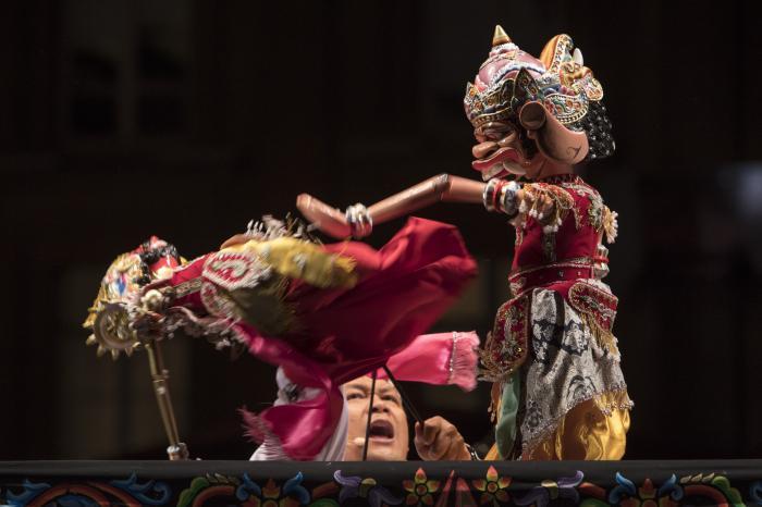 Le wayang golek indonésien