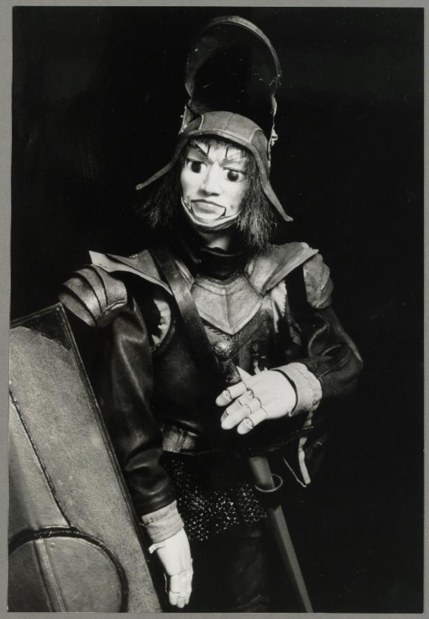 La référence au Bunraku japonais, vers une « légitimité » de la marionnette