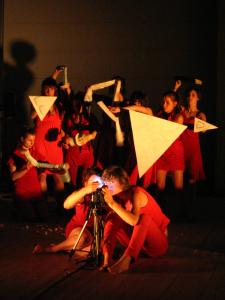 Comme le chien revient à son vomissement, création collective des étudiants de la deuxième année expérimentale de l'option Arts de la Marionnette du CRR d'Amiens (2008/2009). © Tas de Sable - Ches Panses Vertes