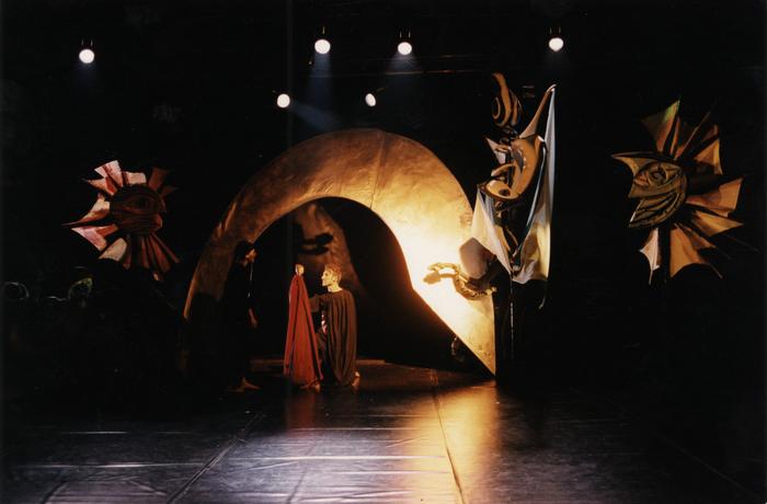 La Belle née d'une larme, atelier-spectacle dirigé par Margareta Niculescu.
