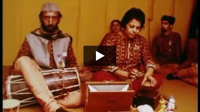 Ombres modernes de Ahmedabad, par The Darpana croup puppet (Inde), extrait de