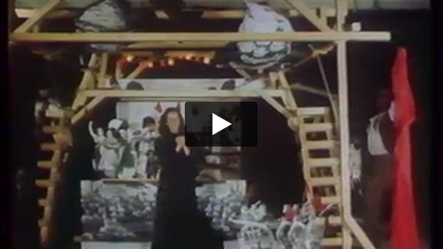 Louise Michel ou les oeillets rouges, par la compagnie Dominique Houdart (France), extrait de Les Giboulées de la marionnette 1979 : 3e festival international des théâtres de marionnettes de Strasbourg.