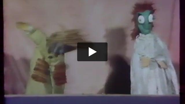 Punch and Judy, par Alain Recoing (France), extrait de Les Giboulées de la marionnette 1979 : 3e festival international des théâtres de marionnettes de Strasbourg.