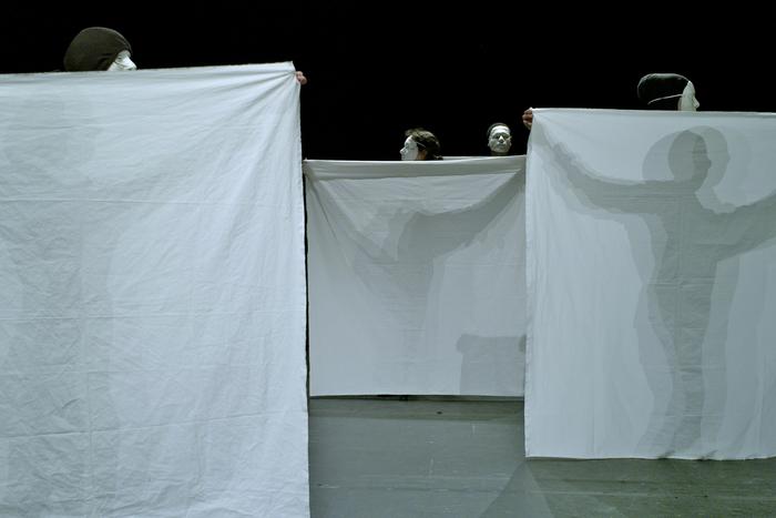 A la croisée du corps et de l'objet, stage dirigé par Claire Heggen