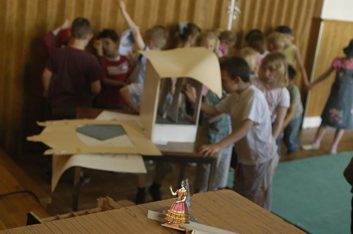 2e Festival Marionnettes en Chemins (2006), Résidence de la compagnie Papierthéâtre à Vorges, Atelier avec Alain Lecucq