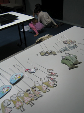 Atelier d'initiation au théâtre de papier dirigé par Pierre Tual à la MJC de Moreuil
