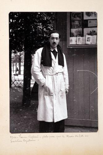 1944. Francis Raphard. Photo prise pour le musée des arts et traditions populaires.