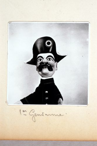 1er Gendarme.