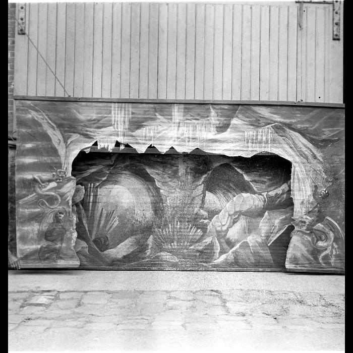 La Tentation de Saint Antoine, L'Enfer, décor du Théâtre forain de Monsieur et Madame Dulaar. Refait vers 1900 par Darvillé.