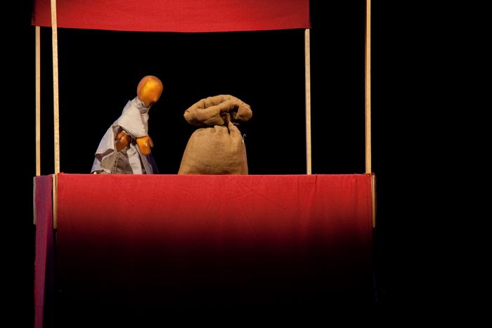 Petites histoires sans parole, par la compagnie L'Alinéa - Le sac