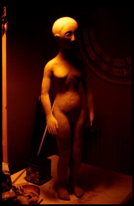 Sculpture de Maryse Le Bris pour le spectacle La Tentation de Saint Antoine, par le Théâtre aux Mains Nues (France).
