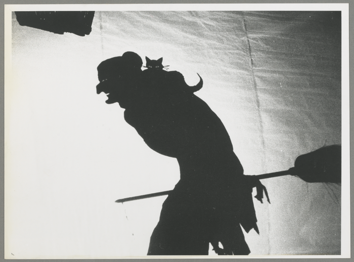 Le voyage de tête en l'air, par le Théâtre de l'Ombrelle (France)