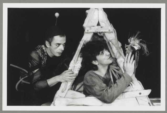 Naufragés d'espace, par le Théâtre de Mazade (France)