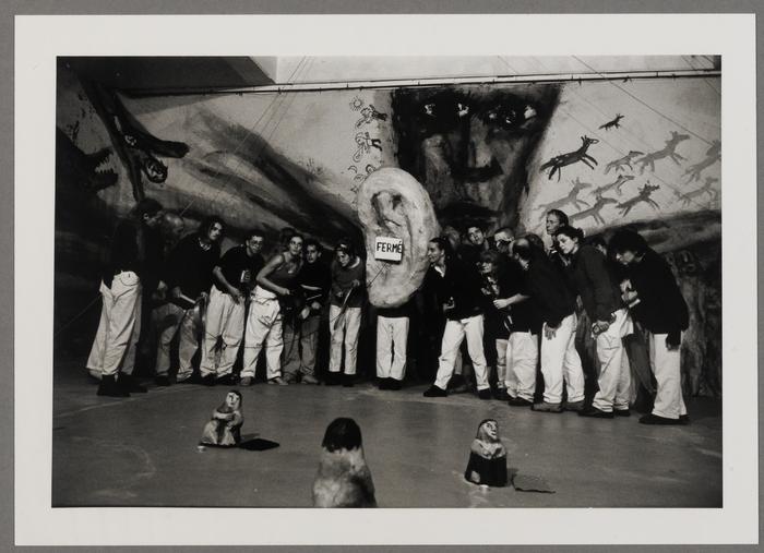 Exposition-spectacle Bread & Puppet : La cathédrale de papier mâché