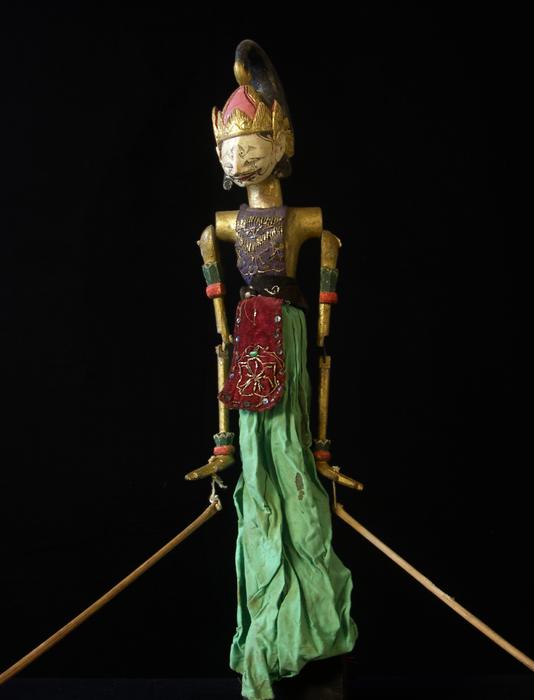 Marionnette à tiges indonésienne de type wayang golek