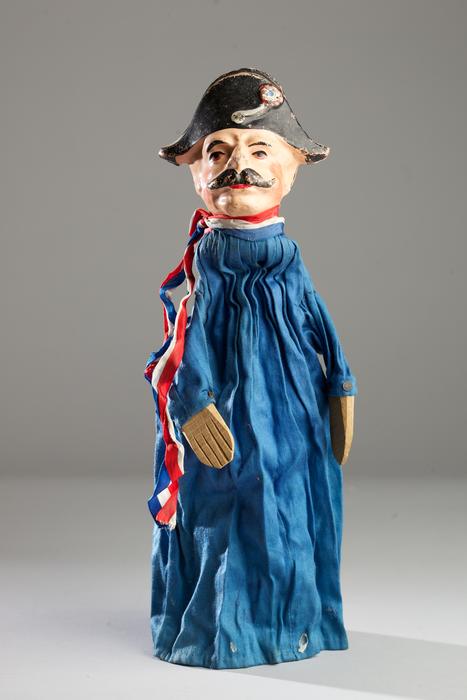 Marionnette à gaine de type Guignol, Gendarme