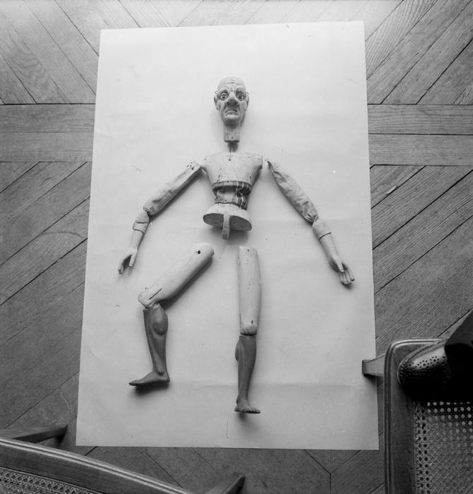 Marionnette à fils démontée. Collection Pajot-Walton's.