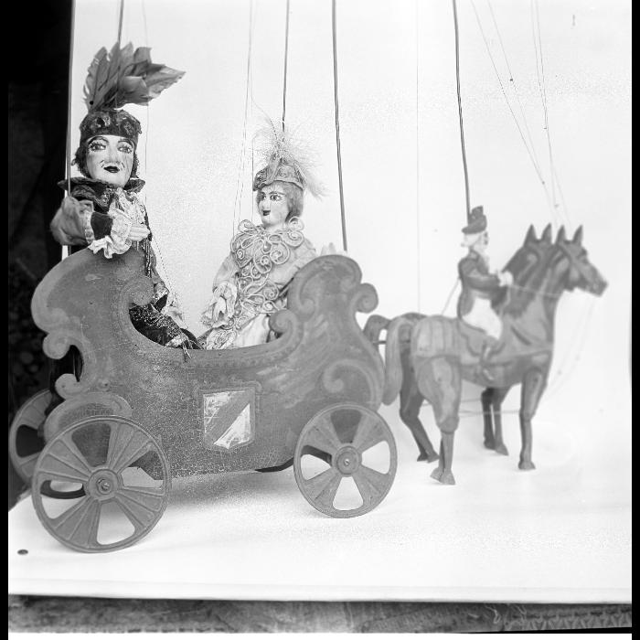Le chat, le marquis et la princesse (<i>Le Chat botté</i>), marionnettes à tringle et à fils. Théâtre forain de Monsieur et Madame Dulaar.