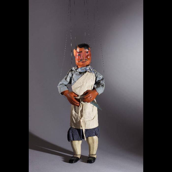 Le boucher, marionnette pour le numéro <i>La Légende de Saint-Nicolas</i>, dans le spectacle <i>Chansons françaises</i> des Comédiens de bois de Jacques Chesnais.