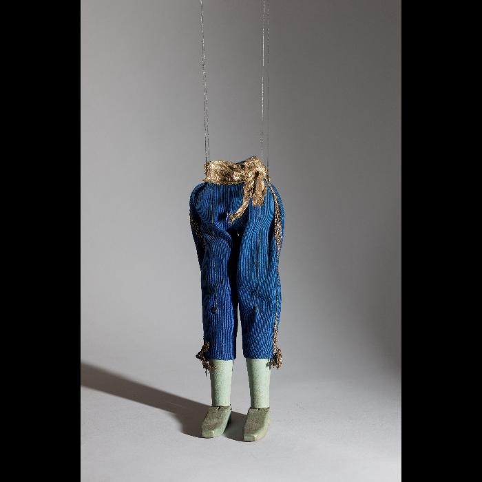 La culotte, marionnette pour le numéro <i>Corbleu Marion</i>, dans le spectacle <i>Chansons françaises</i> des Comédiens de bois de Jacques Chesnais.