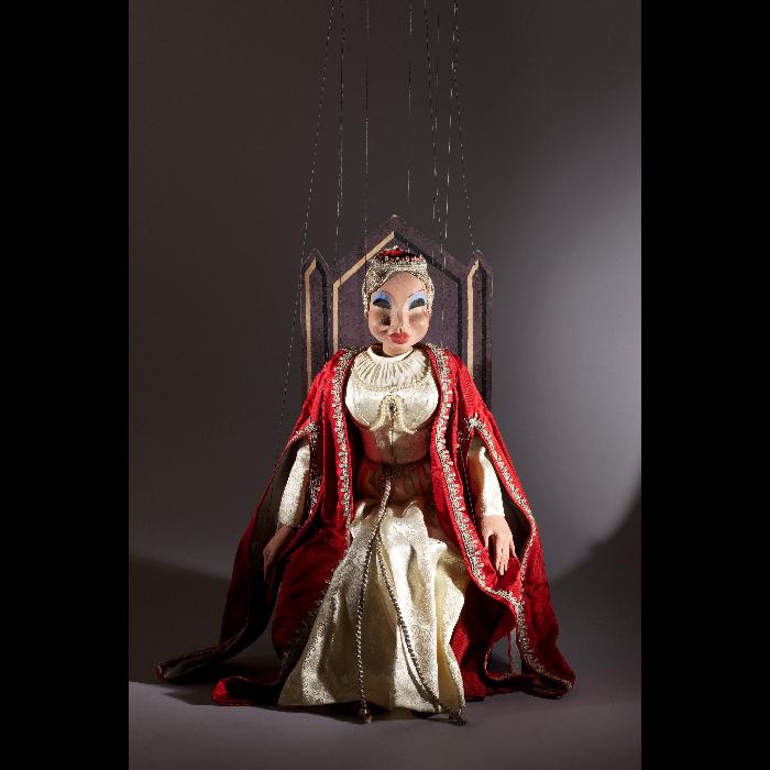 La princesse, marionnette pour le numéro <i>L'Amour de moi</i> par les Comédiens de bois de Jacques Chesnais.