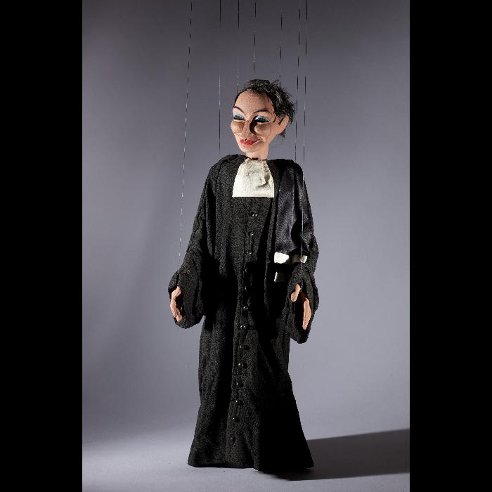 L'avocat, marionnette pour <i>Sur le pont d'Avignon</i> par les Comédiens de bois de Jacques Chesnais.