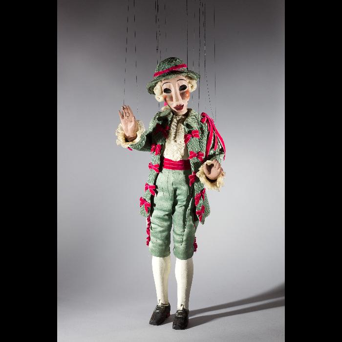 Bastien, marionnette pour <i>Bastien et Bastienne</i> par les Comédiens de bois de Jacques Chesnais.