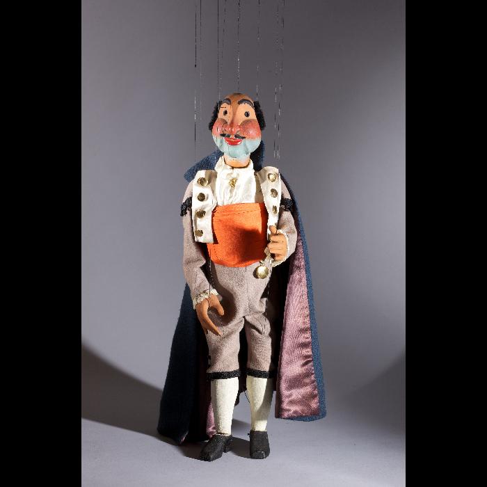Le banquier, marionnette jouant dans <i>L'Heure espagnole</i>, spectacle des Comédiens de bois de Jacques Chesnais.