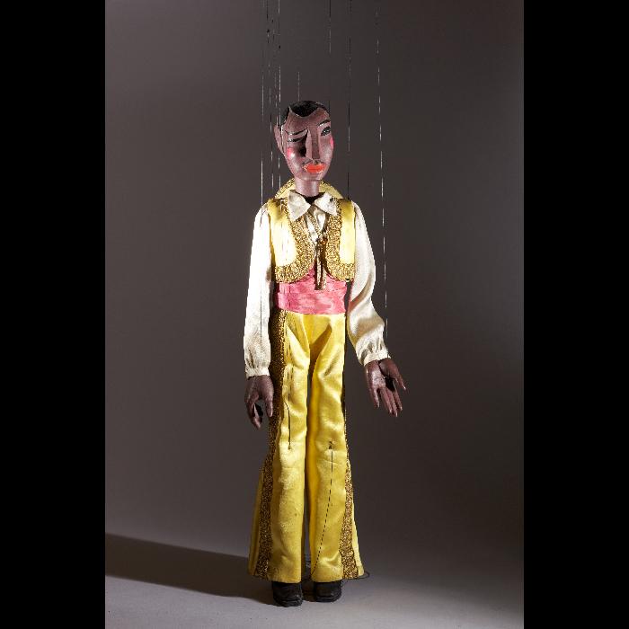 """Zoro, danseur espagnol, marionnette pour le numéro """"Flamenco"""" des Comédiens de Bois de Jacques Chesnais."""