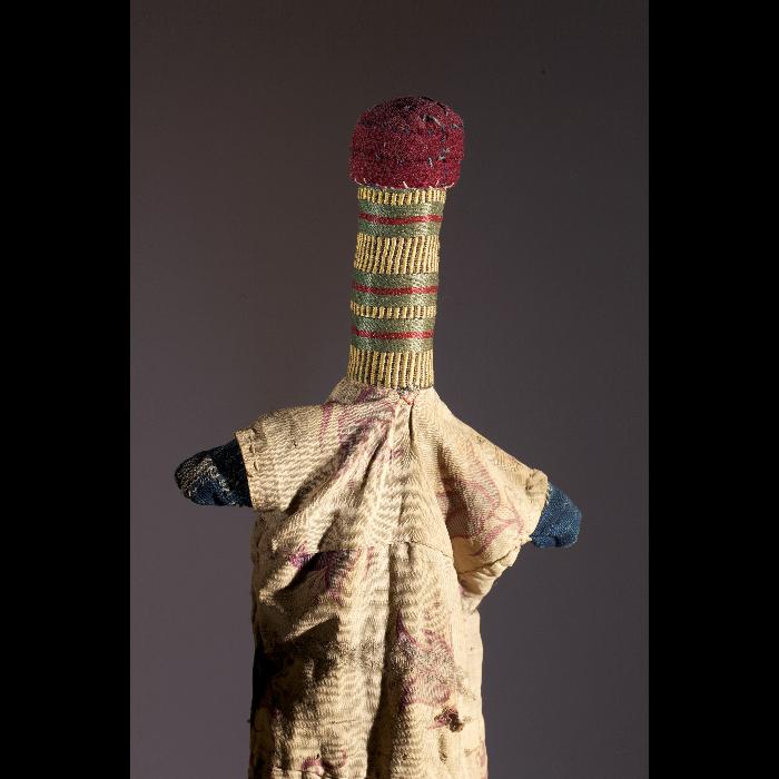 Dabo-dabo, marionnette à gaine du Niger (homme). Collection Jacques Chesnais.