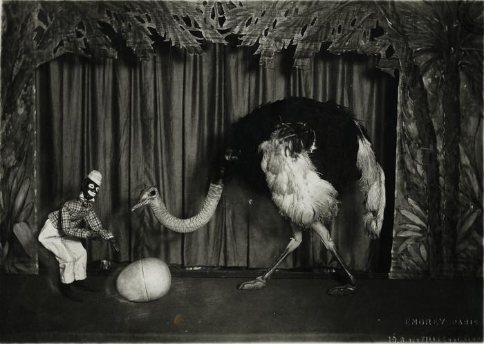 Diverses scènes de démonstration de marionnettes à fils