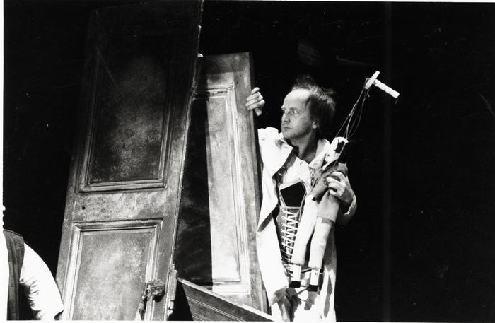 Le Jeu de l'amour et de la mort, atelier-spectacle dirigé par Josef Krofta avec la 1e promotion de l'ESNAM.