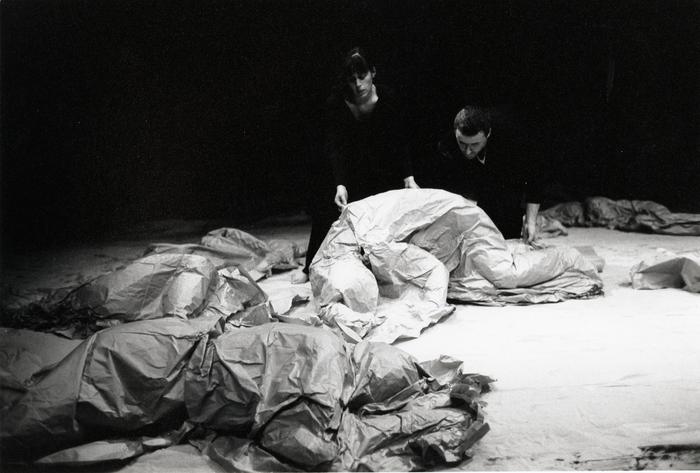 L'acteur, le danseur et la matière, stage dirigé par Philippe Genty et Mary Underwood.